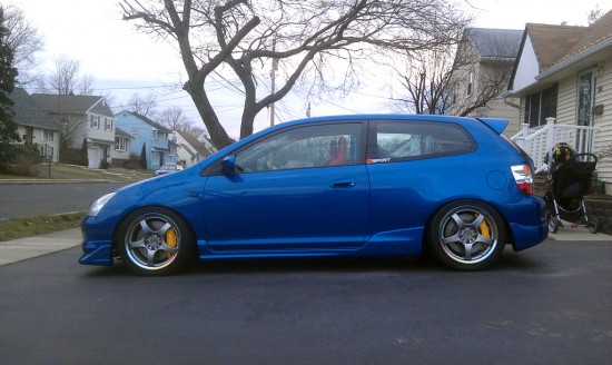 Left profile of the EP3 Civic Si