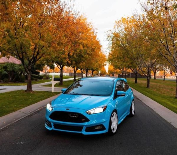 Blue Ford Focus ST on Ksport Coilovers