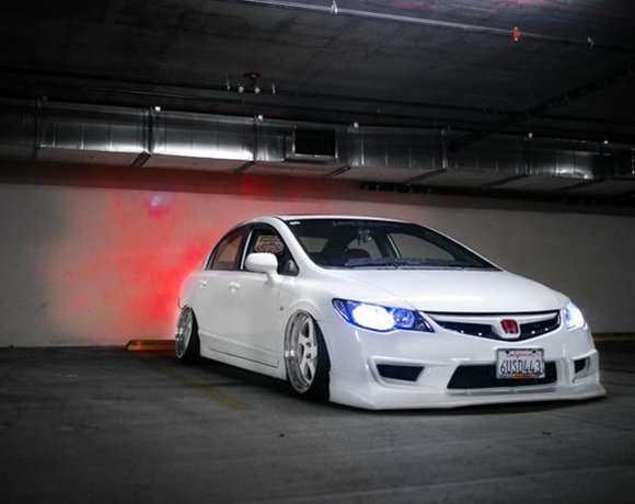 Stanced-Honda-Civic-Si-Coilovers
